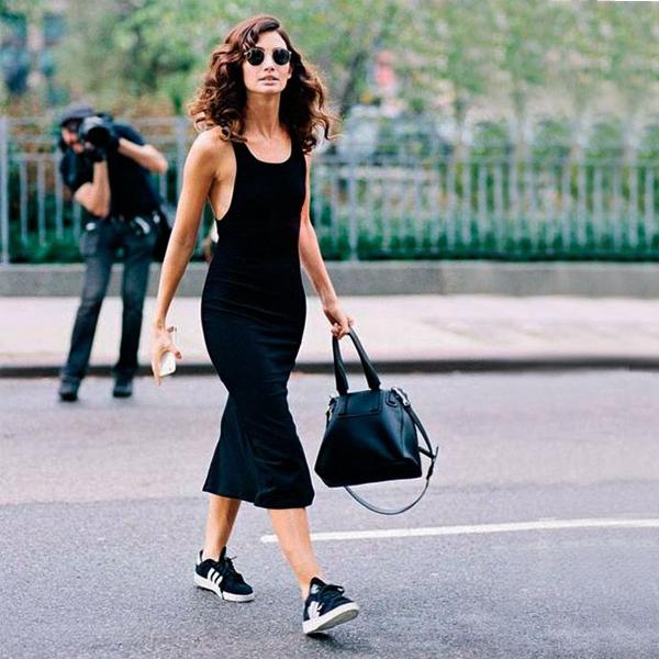 paduan Adidas Gazelle Black dan gaun hitam